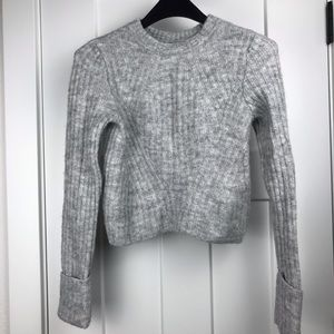 H&M Divided XS gray cropped sweater